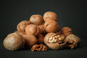 Walnuts - shelled and unshelled